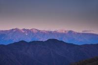 しらびそ高原より望む中央アルプスの朝