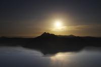 摩周湖の日の出 26120042013  写真素材・ストックフォト・画像・イラスト素材 アマナイメージズ