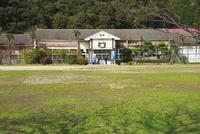 旧青海島小学校 26120042571| 写真素材・ストックフォト・画像・イラスト素材|アマナイメージズ