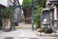 水木しげるロード 妖怪神社 26120042607| 写真素材・ストックフォト・画像・イラスト素材|アマナイメージズ