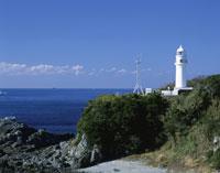 秋の潮岬灯台