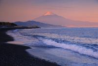 夕映えの富士山 26121012480| 写真素材・ストックフォト・画像・イラスト素材|アマナイメージズ