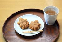 もみじ饅頭 26121016025| 写真素材・ストックフォト・画像・イラスト素材|アマナイメージズ