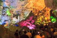 ハロン湾の鍾乳洞のティエンクン洞