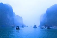霧のハロン湾