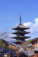 冬の八坂の塔 26121030234| 写真素材・ストックフォト・画像・イラスト素材|アマナイメージズ