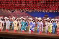 京おどり 26121031151| 写真素材・ストックフォト・画像・イラスト素材|アマナイメージズ