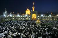 ハラメ・モタッハル広場の夕刻の礼拝