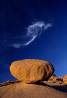 花崗岩と雲