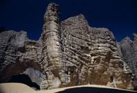 砂岩の列柱 26140001151| 写真素材・ストックフォト・画像・イラスト素材|アマナイメージズ