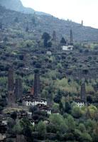見張り塔のある集落