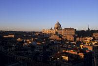 サン・ピエトロ大聖堂の朝 26140001853| 写真素材・ストックフォト・画像・イラスト素材|アマナイメージズ