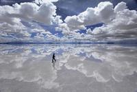 salar de uyuni 雨期 26140001950| 写真素材・ストックフォト・画像・イラスト素材|アマナイメージズ