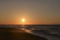 秋の日本海の小針浜 26158002738| 写真素材・ストックフォト・画像・イラスト素材|アマナイメージズ