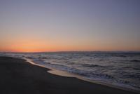 秋の日本海の小針浜 26158002763| 写真素材・ストックフォト・画像・イラスト素材|アマナイメージズ
