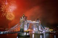 タワーブリッジの花火