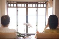 父と娘旅行イメージ 30006000301| 写真素材・ストックフォト・画像・イラスト素材|アマナイメージズ