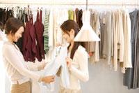 30代女性買い物イメージ