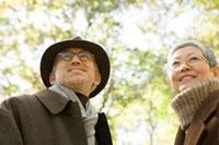 日本人のシニア夫婦 30006000702| 写真素材・ストックフォト・画像・イラスト素材|アマナイメージズ