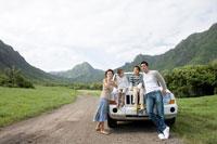 日本人家族と車