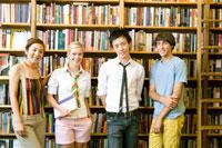 図書室学生ポートレート