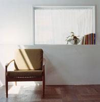 室内の椅子 30007000085| 写真素材・ストックフォト・画像・イラスト素材|アマナイメージズ