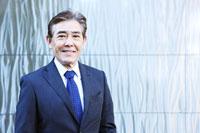 日本人シニアビジネスマンのポートレイト 30009000303A| 写真素材・ストックフォト・画像・イラスト素材|アマナイメージズ