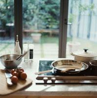 窓際のキッチン