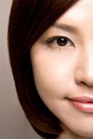 20代日本人女性の目元のビューティーイメージ