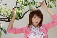 日本人20代女性 30018000053| 写真素材・ストックフォト・画像・イラスト素材|アマナイメージズ