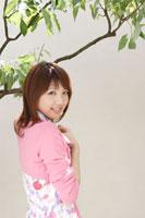 日本人20代女性 30018000054| 写真素材・ストックフォト・画像・イラスト素材|アマナイメージズ
