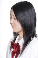 制服姿の日本人の女子高生 30018000658| 写真素材・ストックフォト・画像・イラスト素材|アマナイメージズ