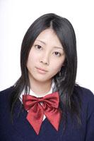 制服姿の日本人の女子高生 30018000666B| 写真素材・ストックフォト・画像・イラスト素材|アマナイメージズ