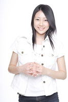 日本人の女の子 30018000694B| 写真素材・ストックフォト・画像・イラスト素材|アマナイメージズ