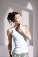 日本人女性のヘルシーポートレート 30018000988| 写真素材・ストックフォト・画像・イラスト素材|アマナイメージズ