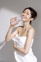 お風呂上りの日本人女性