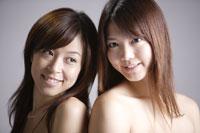 20代日本人女性2人のビューティーイメージ 30018001317| 写真素材・ストックフォト・画像・イラスト素材|アマナイメージズ