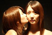 20代日本人女性2人のビューティーイメージ 30018001341| 写真素材・ストックフォト・画像・イラスト素材|アマナイメージズ