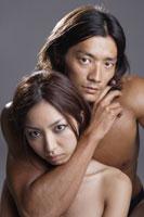 20代日本人女性と男性のビューティーイメージ 30018001434| 写真素材・ストックフォト・画像・イラスト素材|アマナイメージズ
