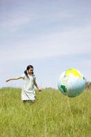 地球儀と女の子