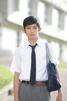学校にいる中学生の男の子