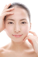 20代の日本人女性のビューティーイメージ 30027000075| 写真素材・ストックフォト・画像・イラスト素材|アマナイメージズ