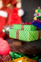 プレゼントとクリスマスグッズ