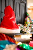 クリスマスグッズの置かれた暖炉