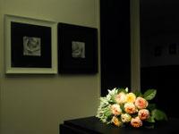 室内に飾られた花束