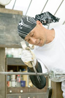 ガラス製品をつくるガラス職人 30037000093| 写真素材・ストックフォト・画像・イラスト素材|アマナイメージズ