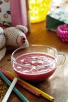 ビーツを使ったピンク色のクリームスープ