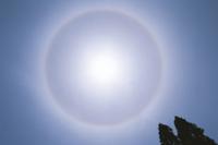 太陽の暈 32053000425  写真素材・ストックフォト・画像・イラスト素材 アマナイメージズ