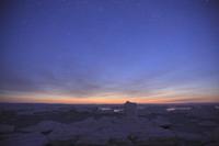 星空と夜明けの流氷 野付半島にて