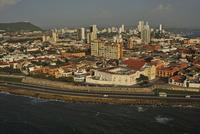 世界遺産の旧市街を囲むスペイン植民地時代の城壁
